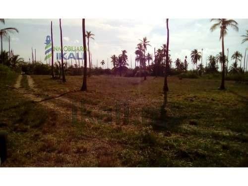 venta terreno 10,000 m² frente a la playa de tuxpan veracruz . venta de terreno con hermosa vista al mar, ubicación exclusiva entre tamiahua y tuxpan, cuenta con 54.15 metros del lado del mar, al río