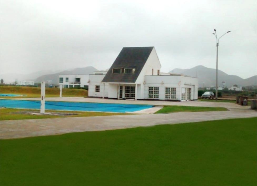 venta terreno 1,050 m2 en condominio costa del campo