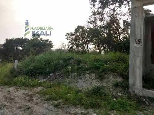 venta terreno 1,354.50 m² col. ceas tuxpan veracruz, plano con acceso por 2 calles privadas, entrando por la calle calixto almazan en la colonia ceas alto lucero ver.a 300 m. de la carretera tuxpan -
