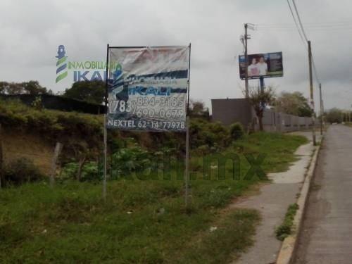 venta terreno 15.5 has. av. américas, tuxpan veracruz. gran terreno de 155,000 m², 150 metros frente a la carretera tuxpan- tamiahua, enfrente del infonavit puerto pesquero y a un costado de la unive