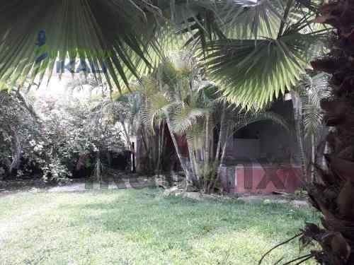 venta terreno 162 m² bella vista ii poza rica veracruz. consta de una superficie de 12 m. de frente a la calle por 13.5 m. de fondo, hermoso jardín con vegetación y terraza techada con calima imitaci