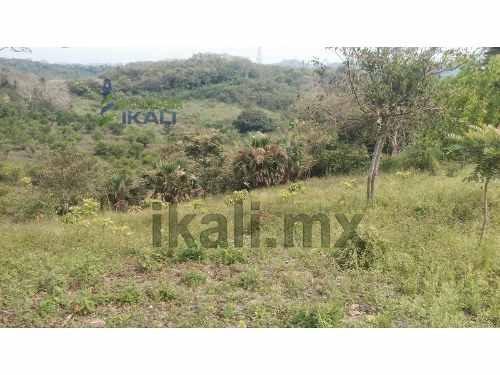 venta terreno 2500 m² tuxpan veracruz camino a juana moza. el terreno esta en la cima de un cerro y hacia el fondo va bajando el nivel, entrando por la privada los pinos, se encuentra ubicado en la c