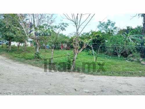 venta terreno 280 m² manlio fabio tuxpan veracruz, se encuentra ubicado en la calle central de la colonia manlio fabio, son 280 m², son 14 m de frente por 20 m de fondo. la zona cuenta con los servic