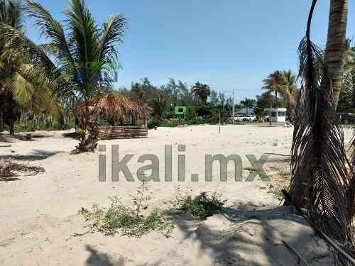 venta terreno 2,851.62 m² en la playa a 200 m. del mar tuxpan veracruz. ubicado en la carretera a la termoeléctrica, con 57 metros de fondo y 50 metros de frente al hotel mediterráneo, cuenta con uso