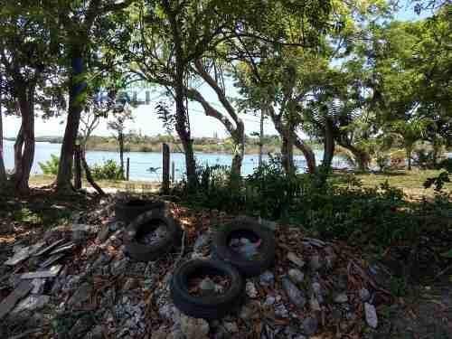venta terreno 326.52 m² frente a la laguna de tampamachoco tuxpan veracruz . es un terreno con una superficie de 326.52 m², con 17.3 metros de frente y 18 metros de profundidad de fácil acceso, está