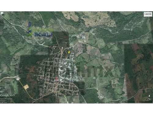 venta terreno 339.70 m² zona centro tepetzintla veracruz. se encuentra ubicado  frente al campo de fútbol y a tres calles de la parroquia a muy cerca de la secundaria y primaria, tienen 22.10 m de fr