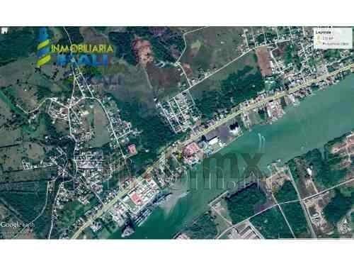 venta terreno 370 m² la calzada muy cerca del río tuxpan veracruz. es un terreno de 370 m² de frente 16.53 metros, de fondo cuenta con 22.50 metros, del lado derecho a la carretera a la playa, en la