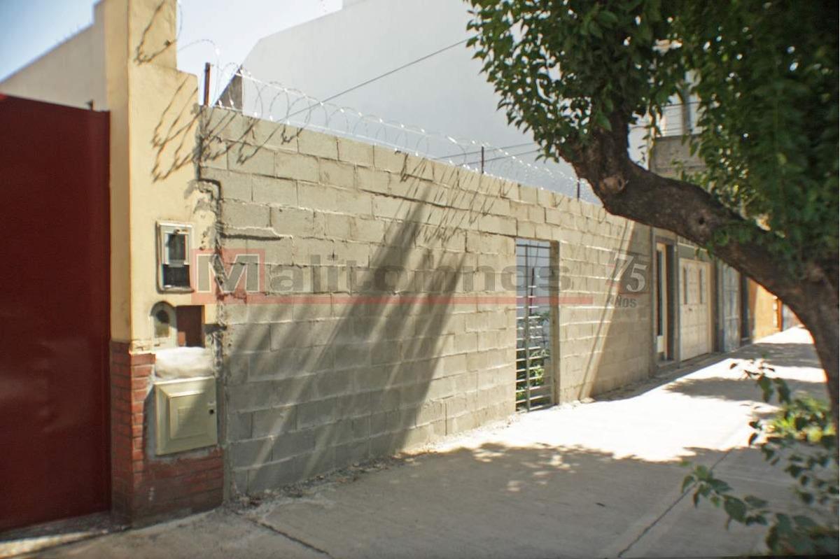 venta terreno 375m2 = 8,66 de ancho x 43mts de fondo en villa lugano.
