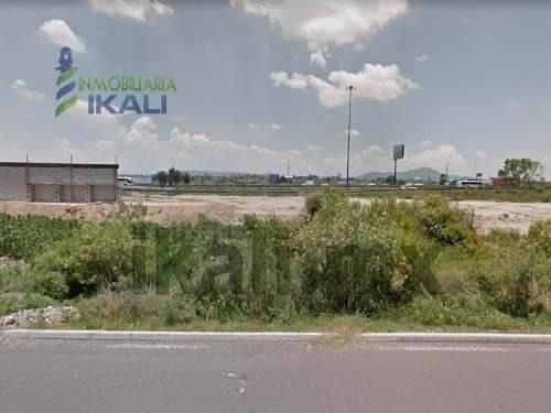 venta terreno 3.92 hectareas huehuetoca salitrillo estado de méxico. ubicado en la carretera méxico-queretaro a la altura de la caseta de cobro jorobas en el entronque circuito exterior mexiquense, e