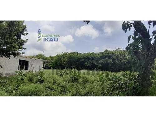 venta terreno 396 m² col. banderas tuxpan veracruz. ubicado en la carretera tuxpan-tamiahua, antes de llegar a banderas, el terreno cuenta con un frente de 12 m. por 30 m. de largo dando una superfic