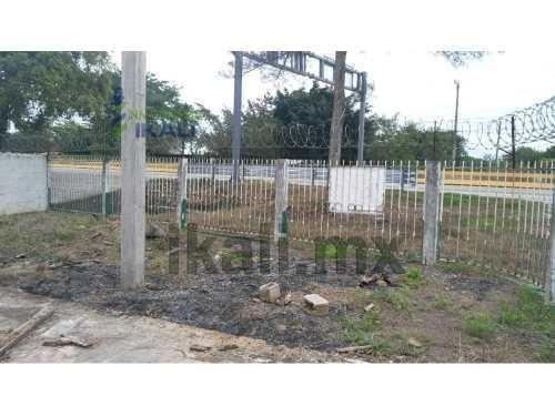venta terreno 680 m² sobre autopista santiago de la peña tuxpan veracruz. ubicado en autopista méxico - tuxpan esquina maximino guzmán en el municipio de tuxpan veracruz, el terreno cuenta con una su