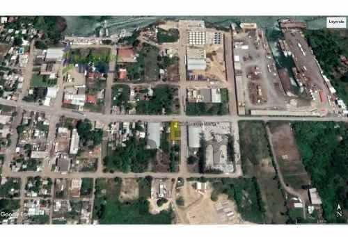 venta terreno 800 m² esquina col. la victoria tuxpan veracruz. ubicado en calle niños héroes esquina carretera cobos. el terreno cuenta con una superficie de 800 m², tiene 20 m. de frente y 40 m. de