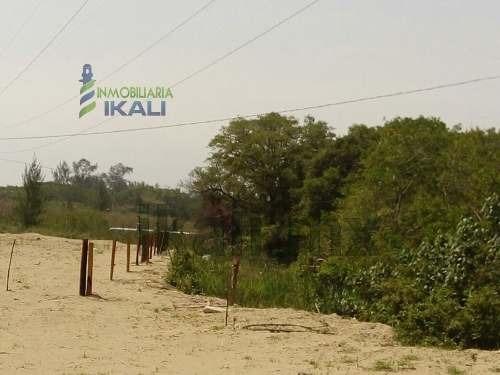 venta terreno a 200 mts de la playa de tuxpan veracruz se encuentra ubicado muy cerca de la hermosa playa de tuxpan veracruz, en la carretera a la termoeléctrica adolfo lópez mateos, cuenta con 17,00
