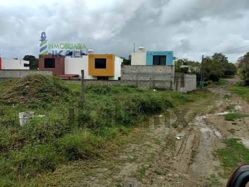venta terreno colonia loma linda tuxpan veracruz en esquina 220 m², terreno ubicado en la calle 7 de la colonia loma linda en el municipio de tuxpan veracruz. cuenta con 10 metros de frente por 20 me