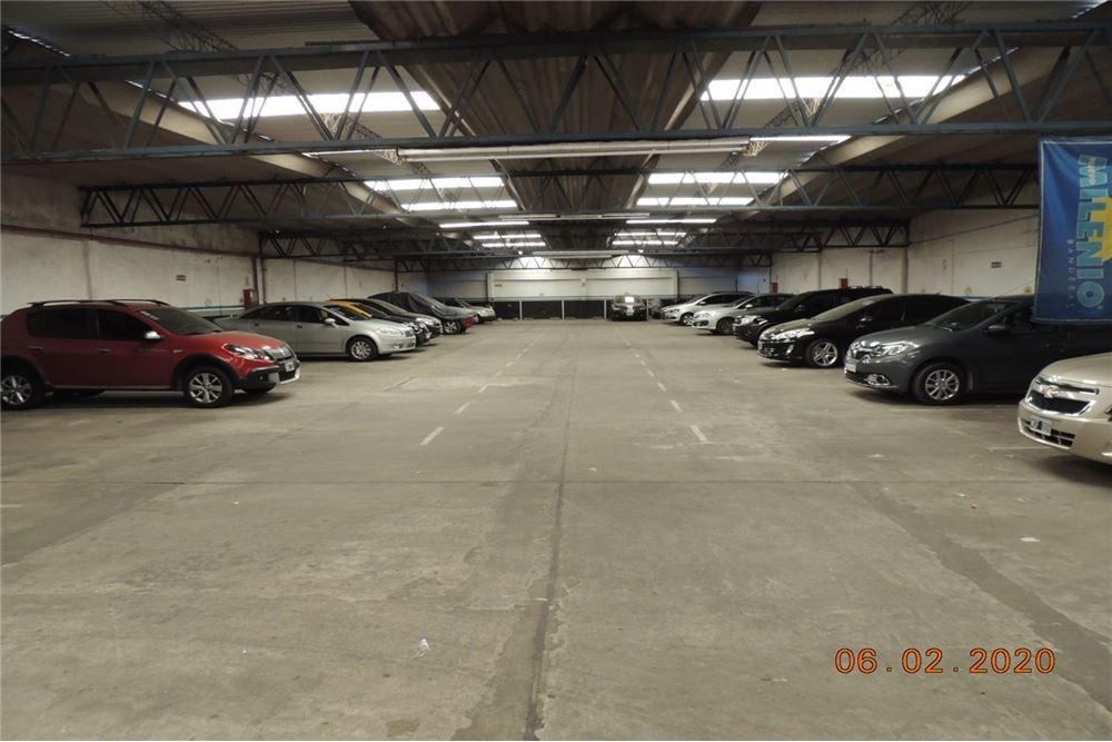 venta terreno con garaje  activo lugano