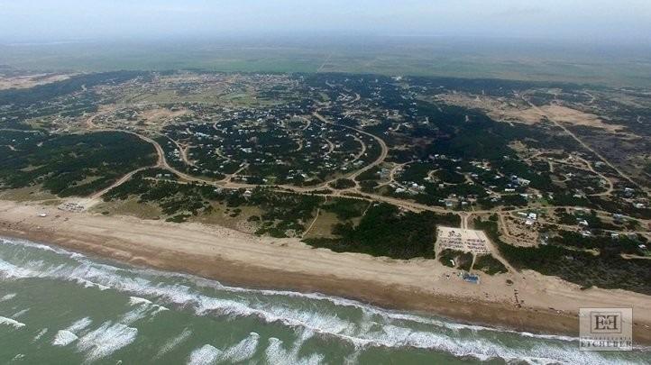 venta terreno en costa esmeralda 974 m2
