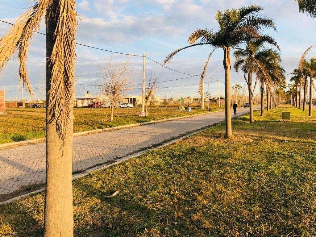 venta terreno en tierra de sueños puerto san martin - sobre avenida