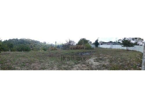 venta terreno en tuxpan veracruz en esquina col. las granjas 600 m² en forma de l, da a 3 calles, a un costado de los centros comerciales walmart y sam's, tiene cerca los servicios públicos de agua p