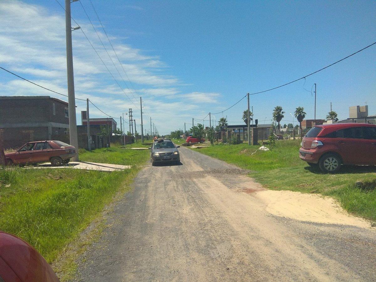 venta terreno escriturado en alvear- esquina / barrio los troncales del sur