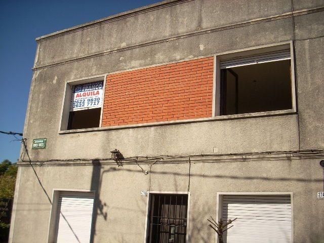 venta terreno esquina en buceo con 6 casas para reciclar