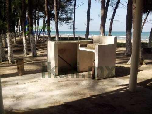 venta terreno frente al mar playa tuxpan veracruz 1 hectárea , se encuentra ubicado en la playa galindo a 100 metros del hotel isla tajin, es un terreno de 1 hectárea son 50 m. de frente por 200 m. d