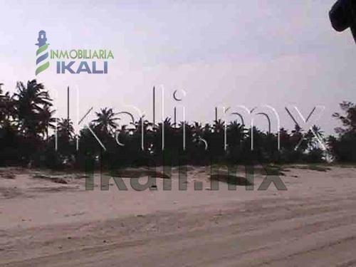 venta terreno playa en tuxpan veracruz 24 hectáreas. se vende hermoso terreno de 24 hectáreas entero o en fracciones a partir de una hectárea ubicado en la playa norte de tuxpan, ver, tiene 300 metro
