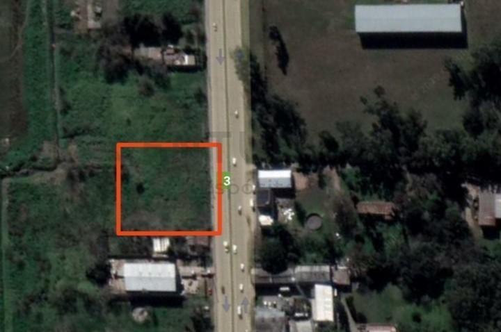 venta terreno sobre avenida 520 de 3520 m2 ( 80 x 44 )