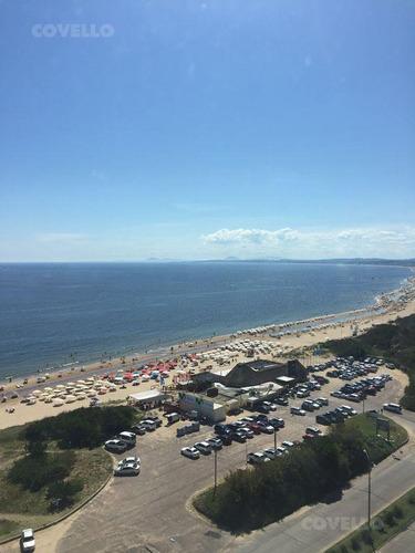 venta - torre de lujo, 240 m2 propios, 3 dormitorios mas servicio - playa mansa