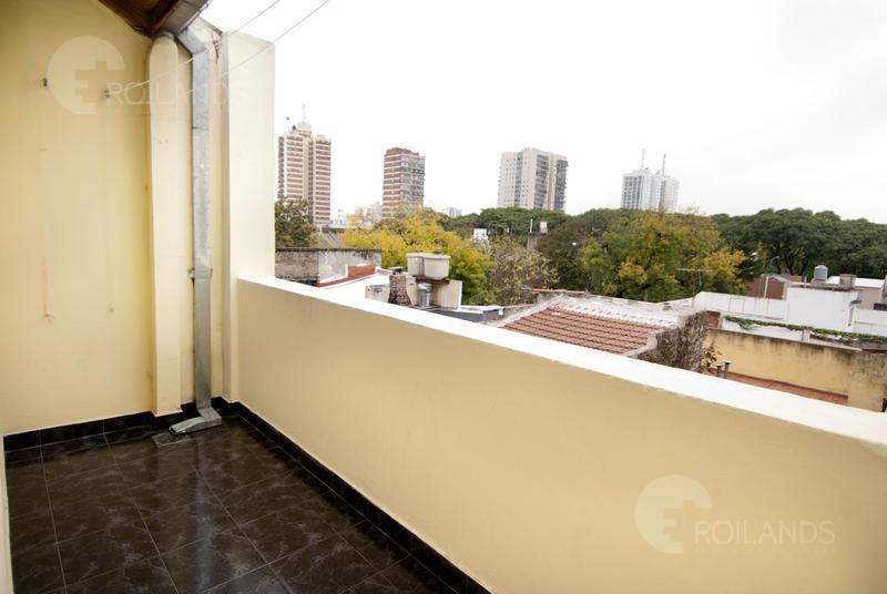 venta triplex 4 ambientes con cochera jardín y parrilla saavedra