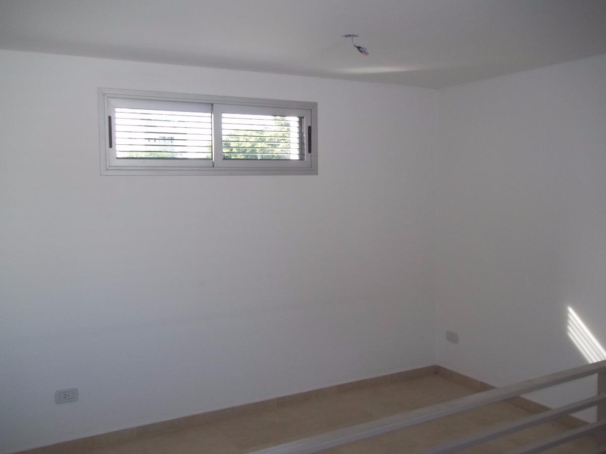 venta triplex dos dormitorios   a re-estrenar