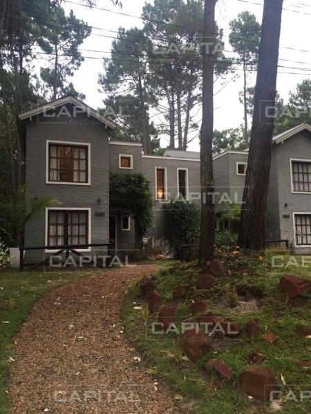 venta y alquiler temporario de casa de 3 suites en complejo privado solanas vacation club-ref:28288