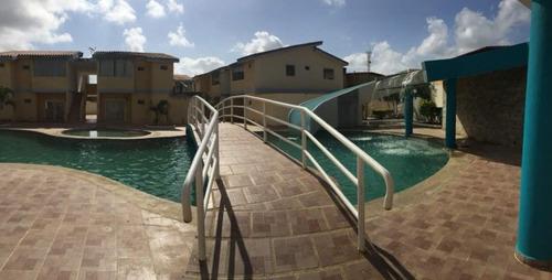 venta zp hermosa villa  en cuidad flamingo
