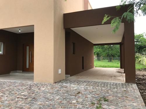 venta,casa moderna 3 dormitorios y piscina, fincas de hudson