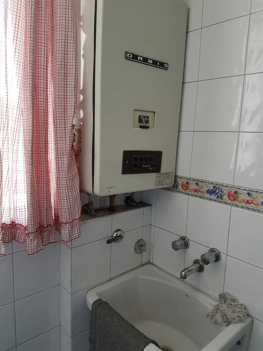 venta,departamento,1 dormitorio,frente  plaza moreno,baulera