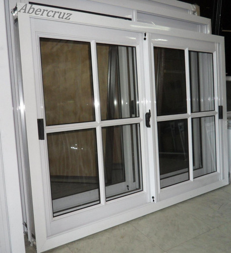 ventana, aluminio, color de 1.00x0.90 v/repartido