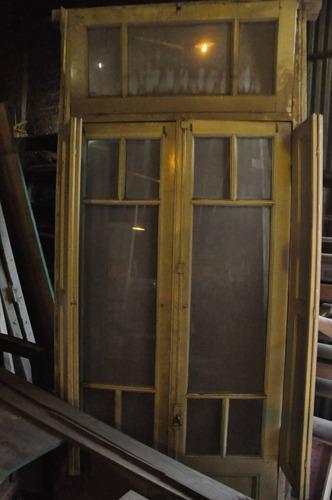 ventana cedro con postigo y banderola completisima!!