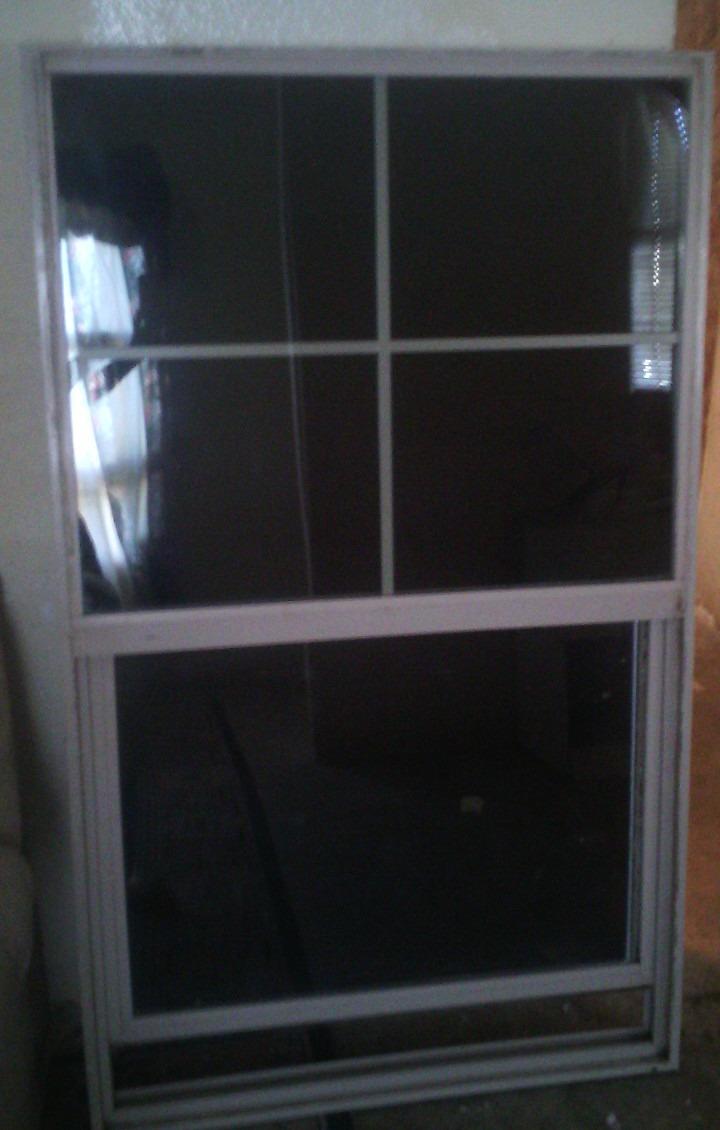 Ventana de aluminio doble vidrio x 90cm 1 500 for Cuanto cuesta el aluminio para ventanas