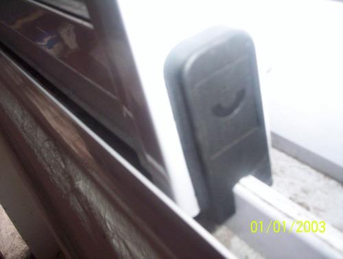 ventana de aluminio , ruedas, herrajes, cierres, burletes