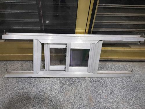 ventana en aluminio de 110 x 40de alto en aluminio usada pre