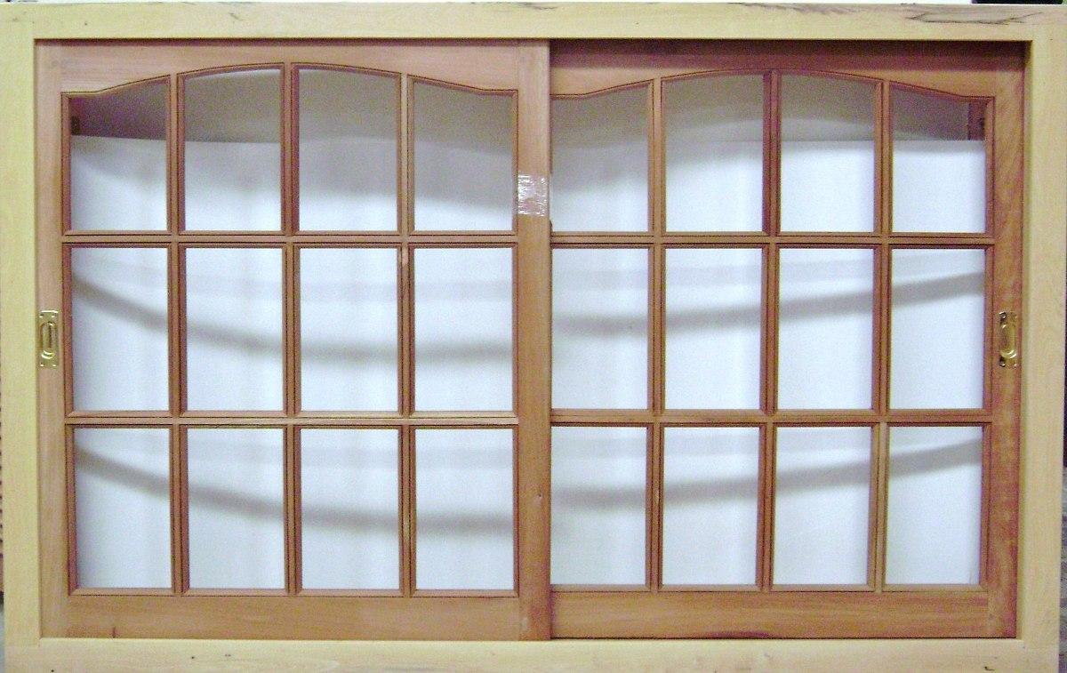 ventana de madera con vidrio