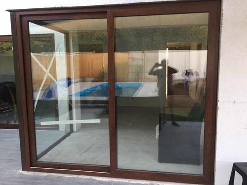 ventanas canceles puertas en aluminio color madera