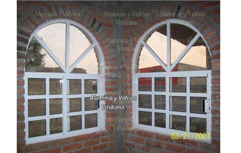 Ventanas de aluminio canceles de ba o vidrio templado for Tipos de ventanas de aluminio para banos