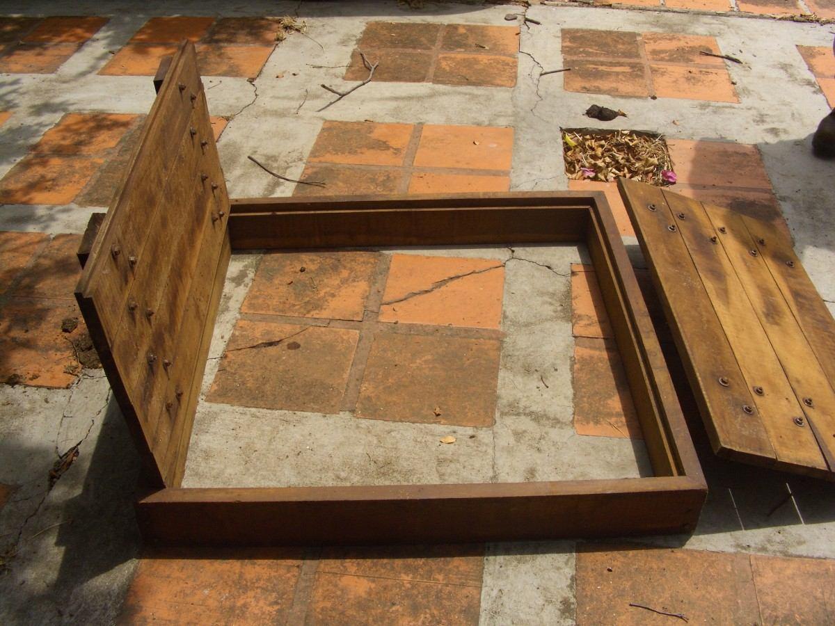 Ventanas de madera coloniales con puertas los chaguaramos for Descripcion de puertas de madera