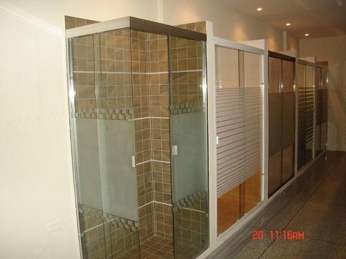 ventanas panoramicas y puertas de baño en acrilico y vidrio