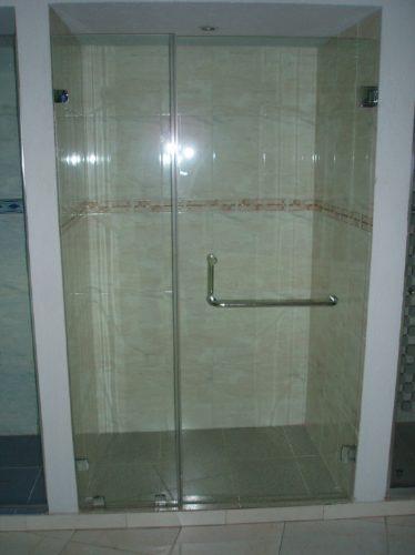 ventanas,puertas de baño,mosquiteros,salpicaderos