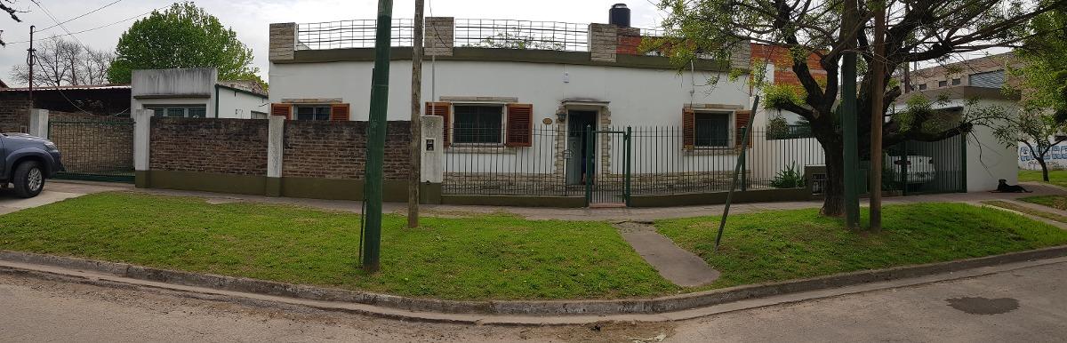 ventas casa 3 habitaciones cochera para 2 autos, temperley