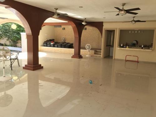 ventas residencia en esquina un nivel san pedro 1,117 m2 superficie mérida yuc.