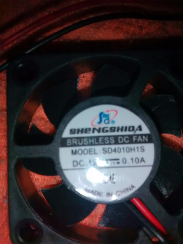 ventilador de 40x40x15  de 12 v