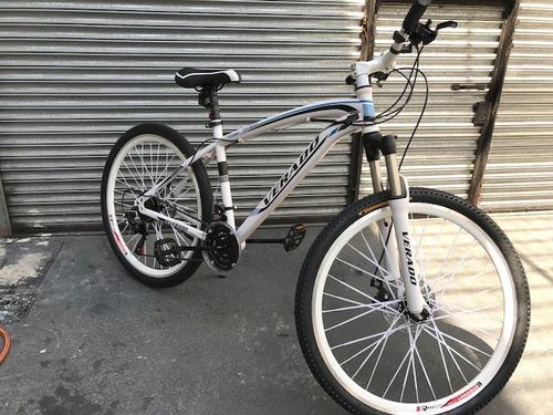 verado montaña bicicleta