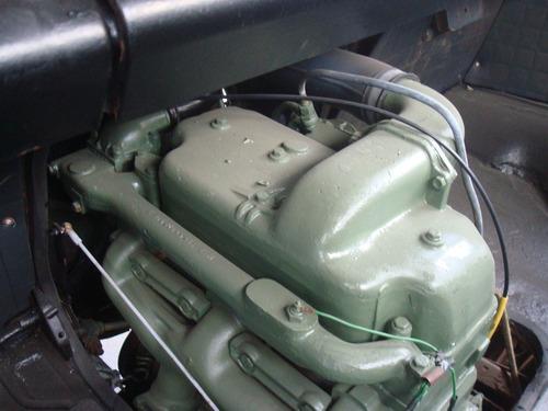 veraneio,hr,mb 608 ano 76 cor azul  diesel sem carroceria